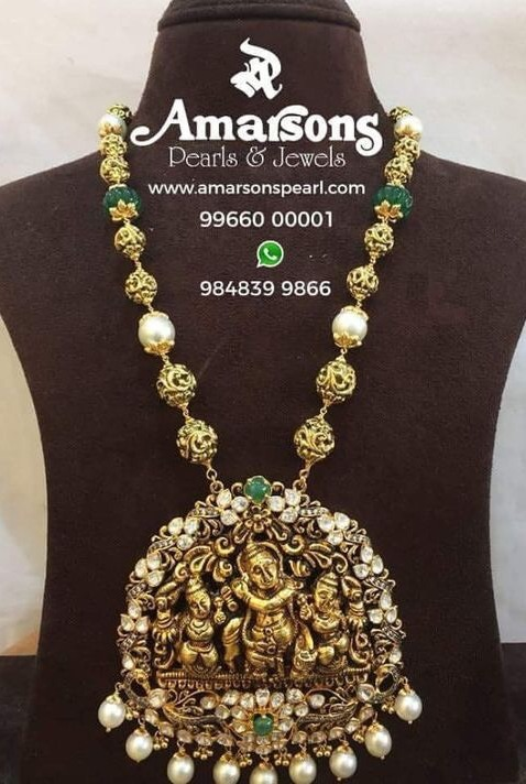 Nakshi Balls Set with Krishna Pendant