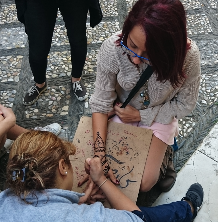 Valentina Vaguada: Valetostravels, Granada, travel, Spain, España, andalucía, La Alhambra, wanderlust, henna tattoo