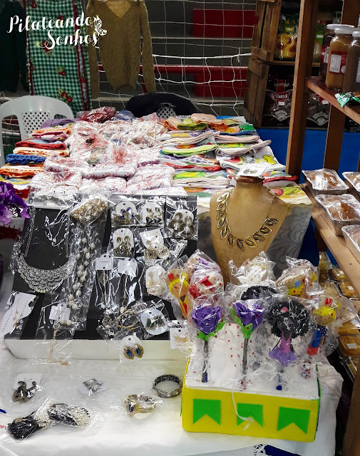 bijuterias, canetas decorativas, artesanato, expo bem estar tamoios, Ciana Andrade