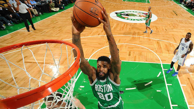 Amir Johnson, pivot des Boston Celtics