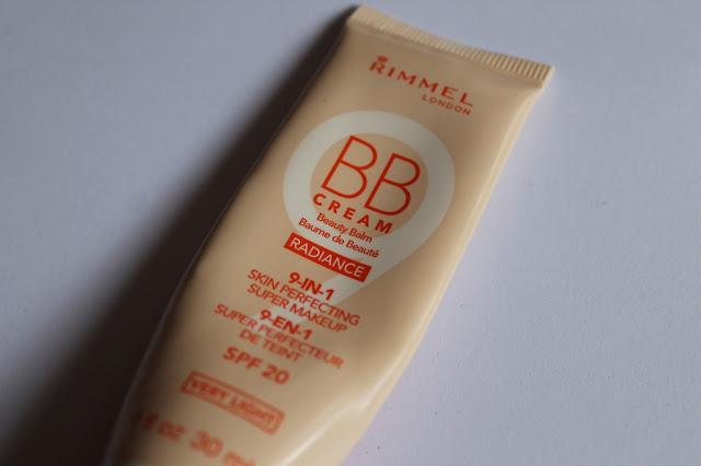 "Swatchs Baume de Beauté 9-en-1 Super Perfecteur de Teint ""BB Cream Radiance"" Rimmel Very Light"