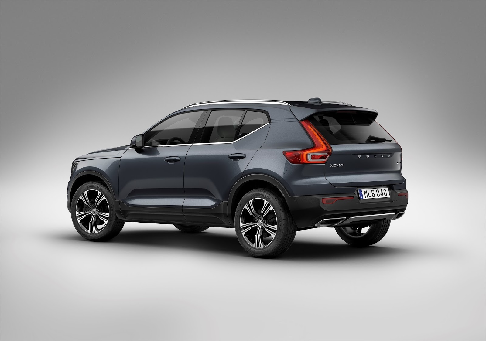 company news in egypt: new volvo xc40 is named 2018 european car of