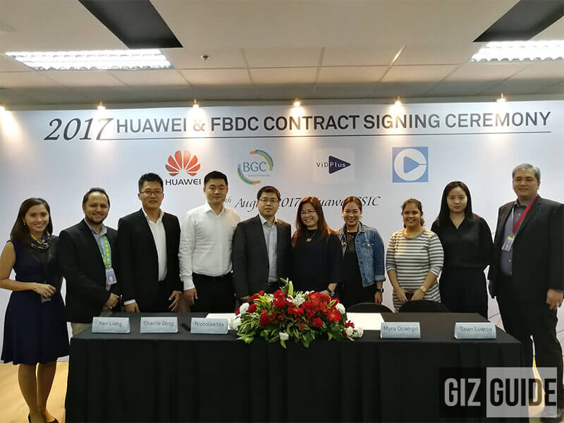 Huawei and FBDC Contract signing ceremony