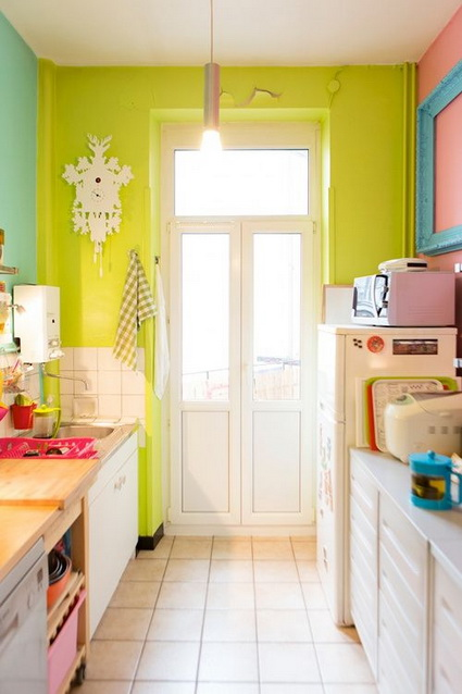 Kitchens with lots of color 2