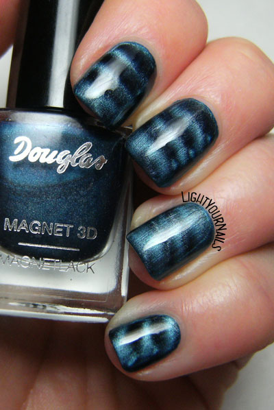 Douglas Magnet 3D: Blue Attraction