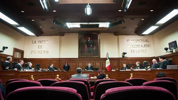 Senadores de derecha en México frenan ley que reduce su salario