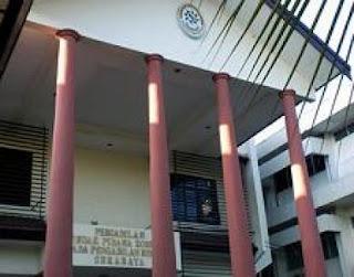 Sidang Kasus Dugaan Korupsi Alat Peraga SMKN 2 Kota Mojokerto, Nurhayati Minta Hakim Tolak Dakwaan JPU