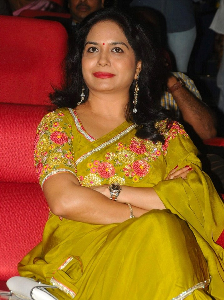 Telugu Singer Sunitha 2017 Hot Images In Yellow Saree