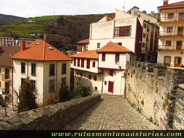Calle Arrastraculos en Cangas del Narcea