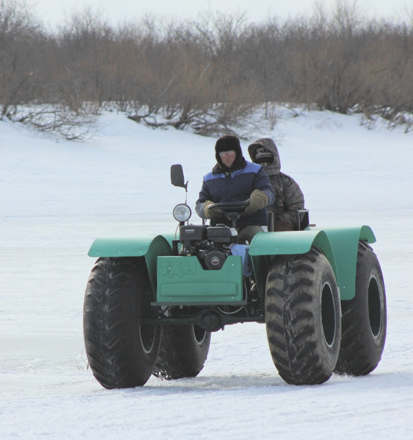 Рыбацкий транспорт для зимней рыбалки