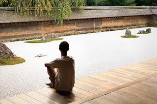 lanterna de pedra para jardim japones