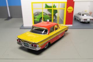 Tomica Limited Vintage Nippon Kotsu Taxi