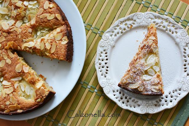 bezglutenowe-ciasto-migdałowe-z-gruszkami
