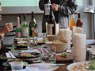 sake x meshi con platillos japoneses
