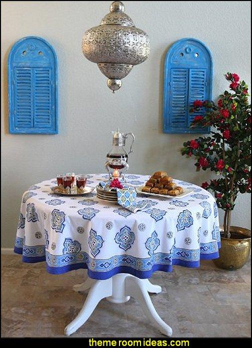 Casablanca Moroccan Style White Quatrefoil Tablecloth