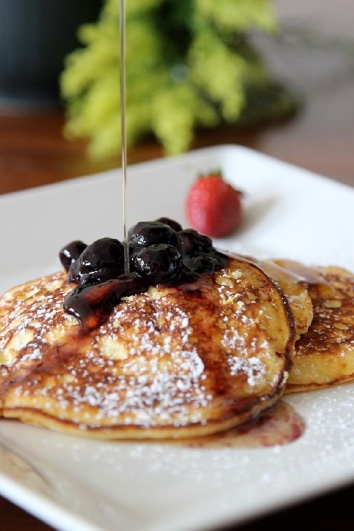 Lemon Ricotta Pancakes With Blueberries