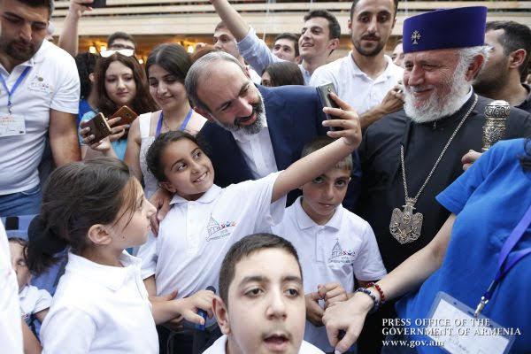 Pashinyan: queremos no solo detener la emigración, sino revertirla