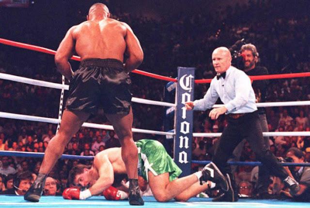 Descubren smartphone en pelea de Mike Tyson de 1995