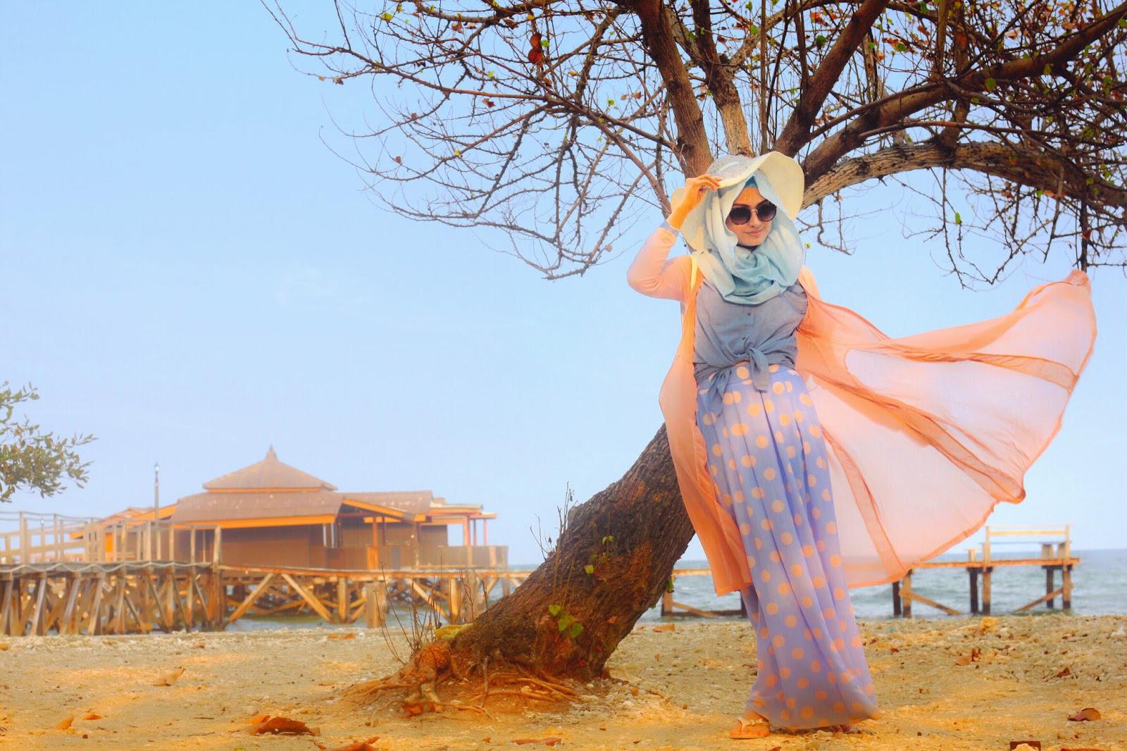 tips style hijab untuk ke pantai  hijab pantai simple  warna baju yang cocok untuk ke
