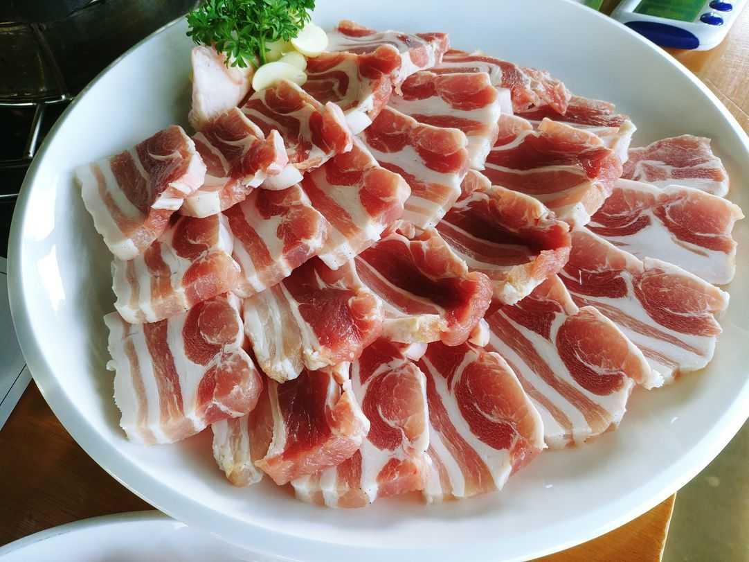 samgyupsal at nice two Meat u