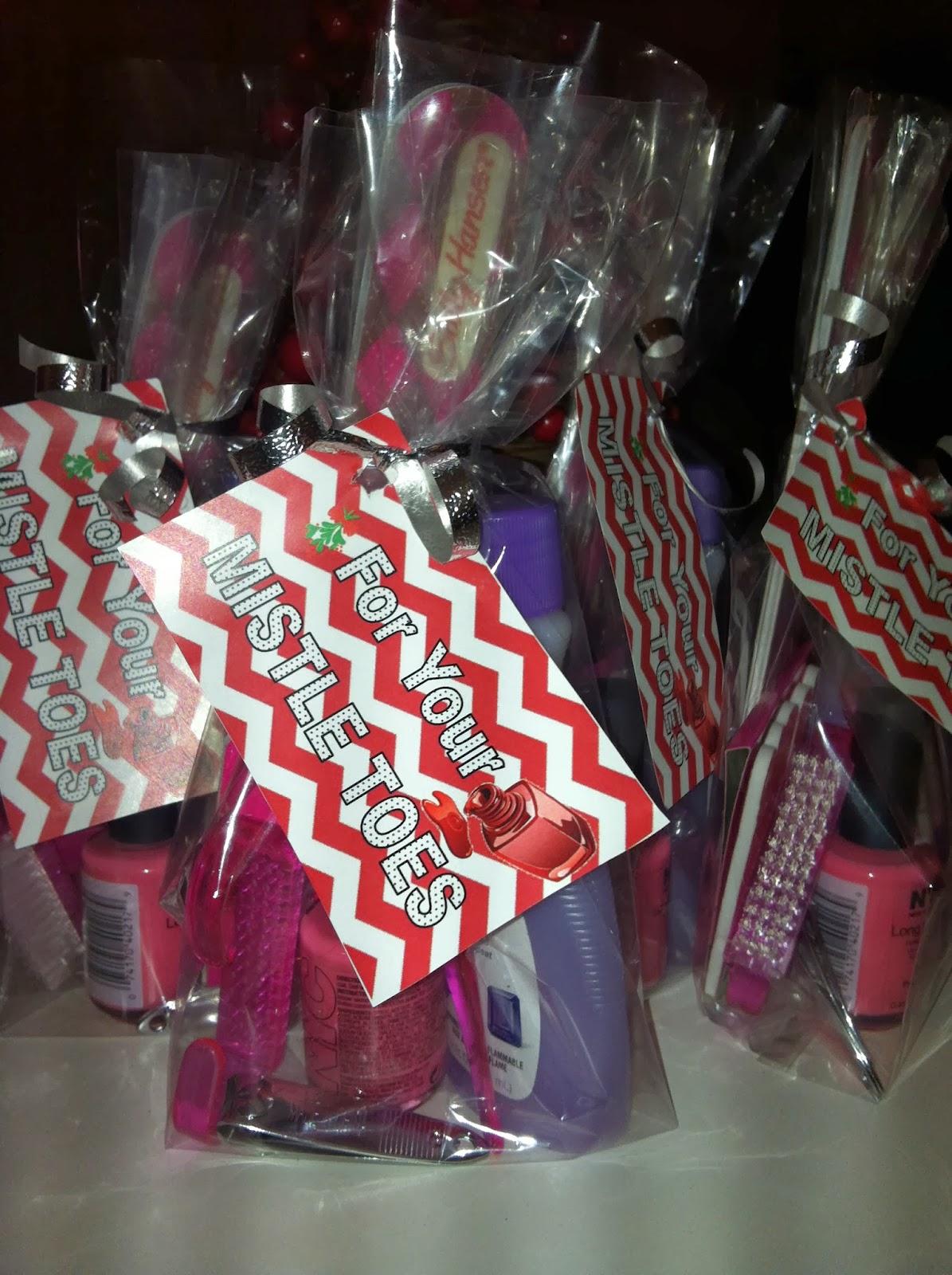 foto de The Ashley Maria Blog: DIY Gift // MISTLE TOES