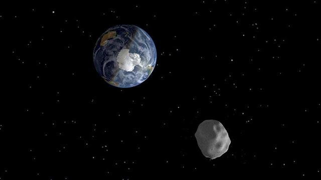 La NASA advierte que tres grandes asteroides pasarán peligrosamente cerca de la Tierra este sábado