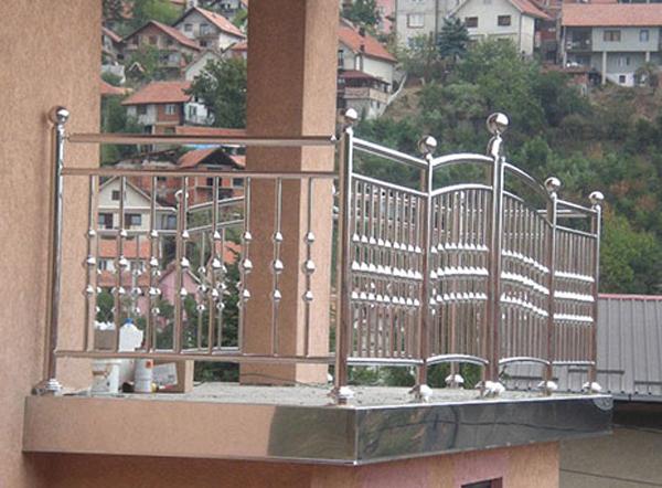 Mẫu hàng rào lan can bằng inox 304