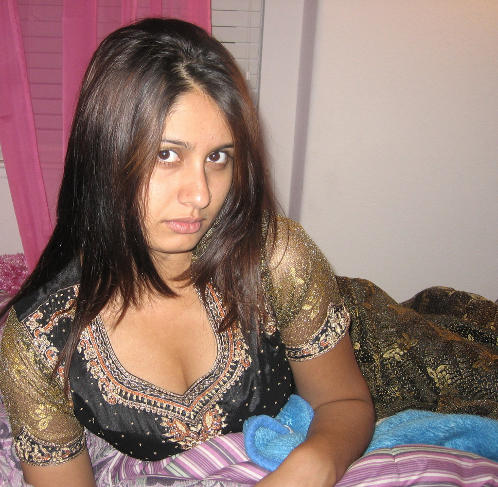 Sexiest Hot Indian Desi Girls With Nose Rings ( Nose Studs