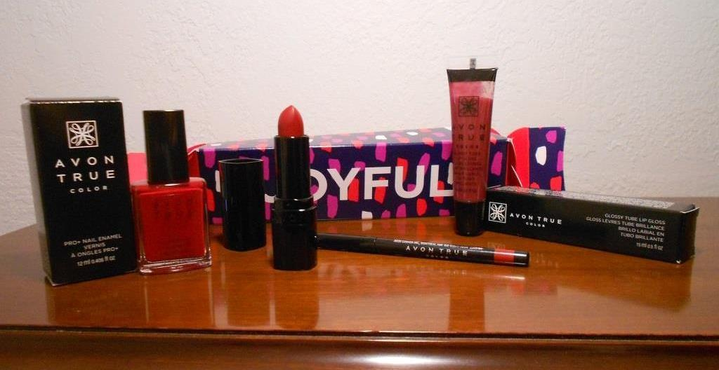 AVON True Color Joyful Red Lip and Nail Surprise