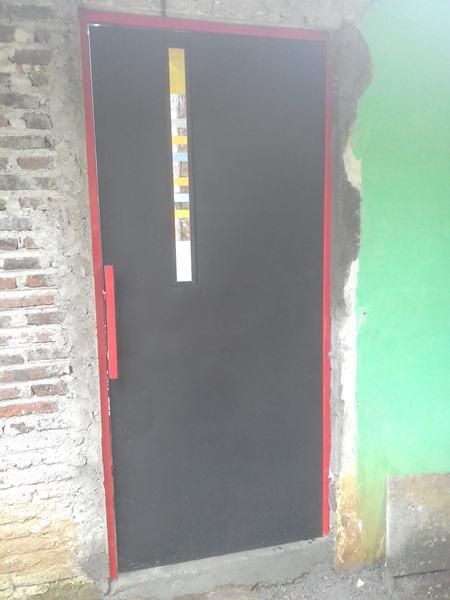 Pintu Besi Pelat