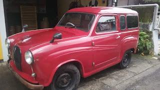 Dijual mobil antik austin tahun 1956.
