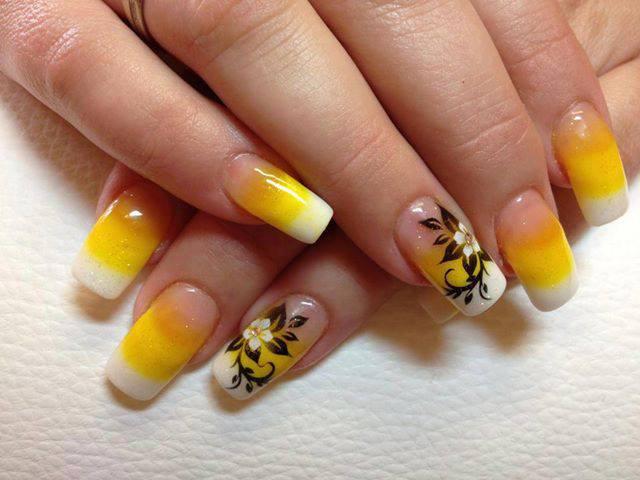 3 Diseños De Uñas Amarillas Con Flores ε Diseños De Uñas