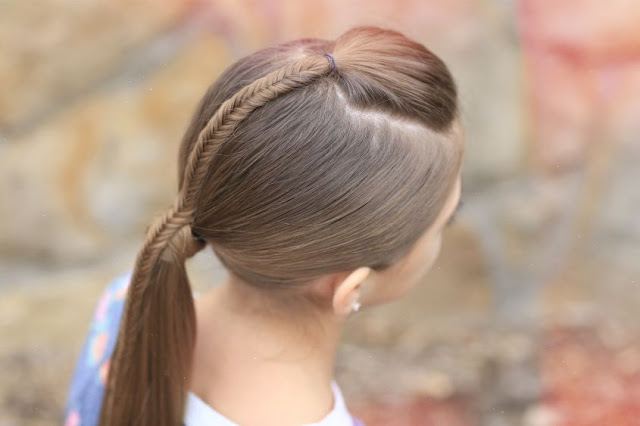 coda con treccia centrale acconciature estate 2016 coda acconciature coda pettinature estate 2016 tendenze capelli estate 2016 ponytail summer ponytail summer trend hair trend mariafelicia magno fashion blogger color block by felym blogger italiane