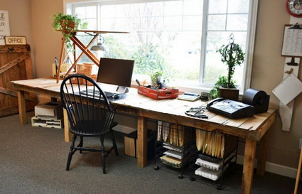 Office Furniture Made With Wooden Pallets 4