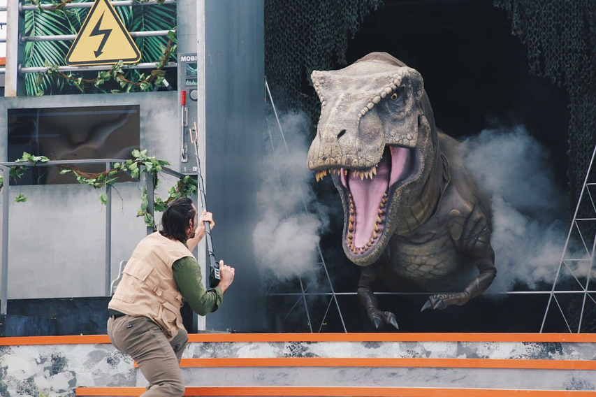 China Planet :Building boom uncovers buried #dinos in China
