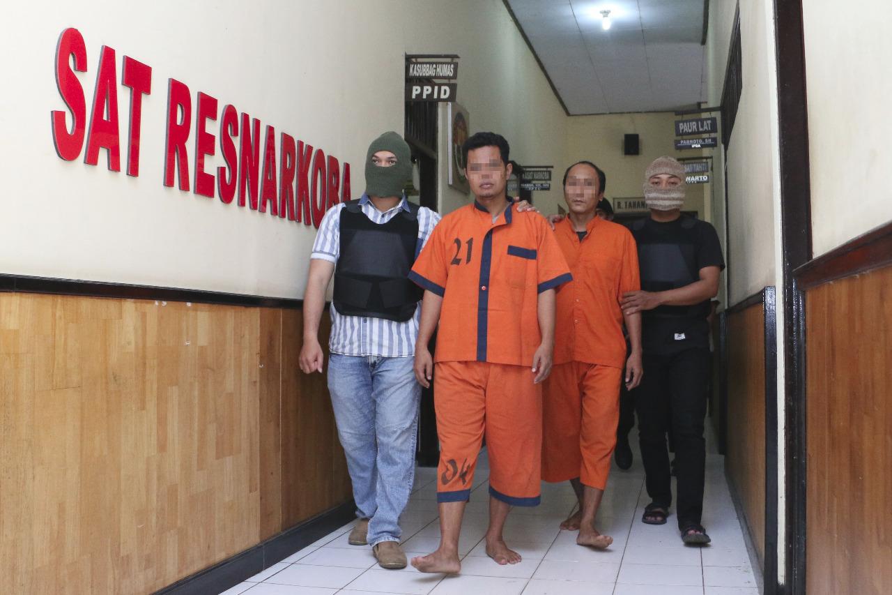 Konsumsi Sabu, Kepala Desa Menganti Diamankan Polisi