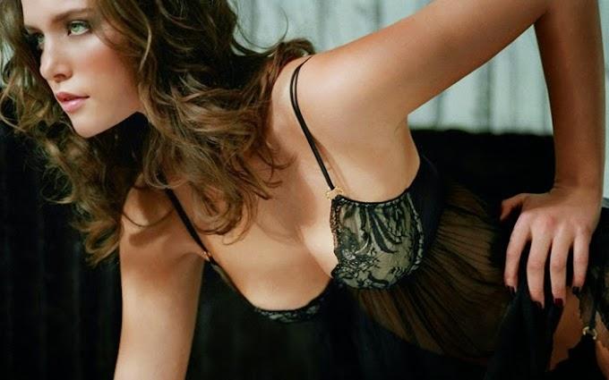 Hot photos of a beautiful Canadian girl Kim Cloutier #Kim #Cloutier
