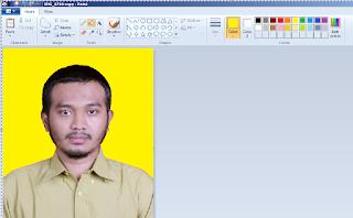 Hasil Penggantian Background Pas Foto Menggunakan Paint