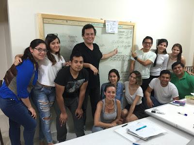Equipo de Innovación CIGMexico tras 10 horas de trabajo en el que se consiguió la fórmula del Verde Tabasqueño. Más información lalo@cigmexico.org