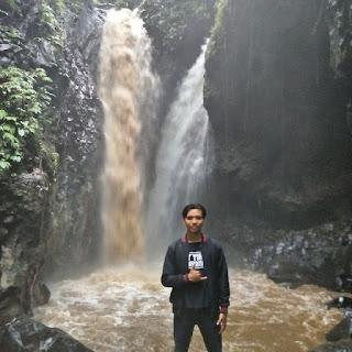 Tempat Wisata Air Terjun Campuhan (Kembar) Buleleng Bali