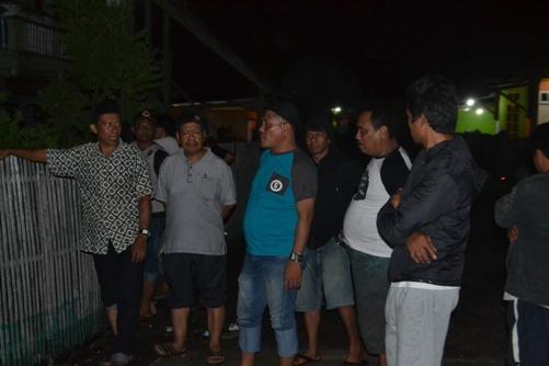 Ombak Air Laut Pasang Ancam Pemukiman Warga, Pesisir Barat Kepulauan Selayar