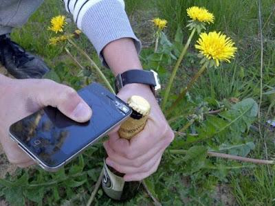 Bier öffnen mit Smartphone lustig - dumm gelaufen Bilder