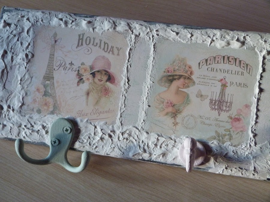 isabelvintage-vintage-perchero-tabla-madera-papel scrap