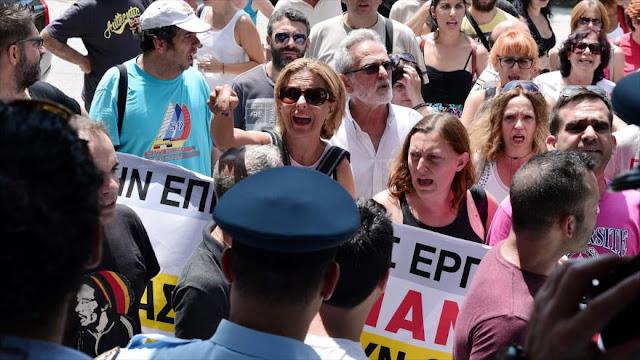 Empleados de los supermercados griegos Marinopoulos rechazan la precariedad laboral