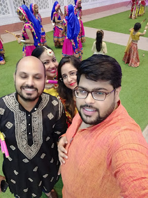 Shopping, Style and Us: India's Best Shopping and Self-Help Blog- Priyanka Ahuja, Gagan Kataria and Varun Saklani with Jiya Mishra Saklani, a part of Team SSU