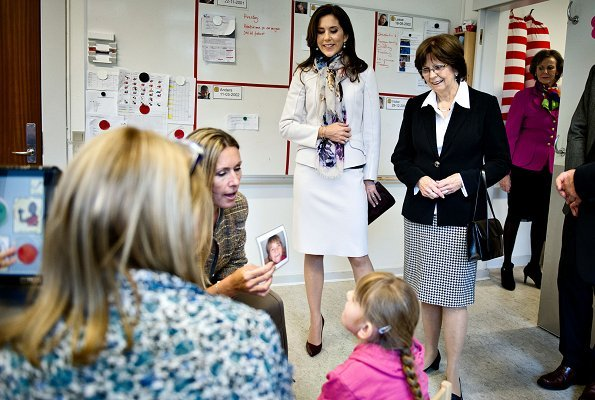 Crown Princess Mary and First Lady of Slovakia Mrs. Silvia Gašparovičová visited the special school Geelsgårdsskolen in Virum