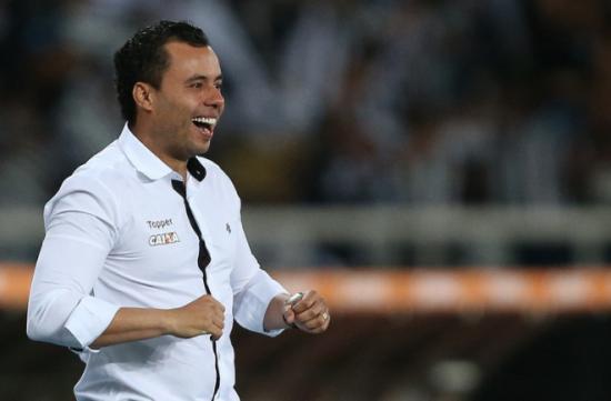 Fluminense tem acerto com ex-técnico do Botafogo, diz comentarista
