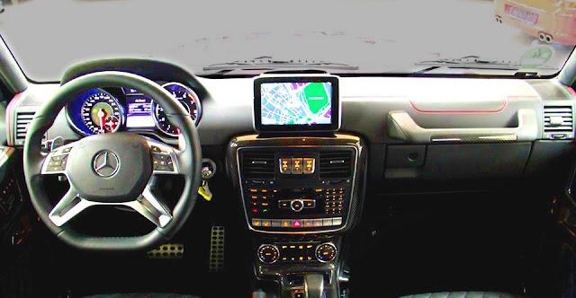 Bảng taplo Mercedes AMG G63 2018 được ốp gỗ Poplar màu Đen bóng hoặc gỗ Eucalyptus