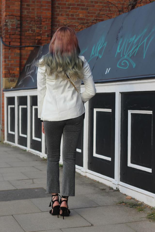 rainbow hair fashion blogger