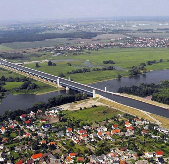 magdeburg water bridge3%255B2%255D Magdeburg Water Bridge, Kemegahan Sungai di Atas Sungai